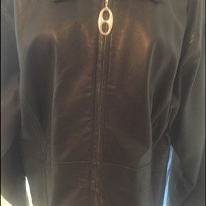 Women's leather jacket. Good condition.